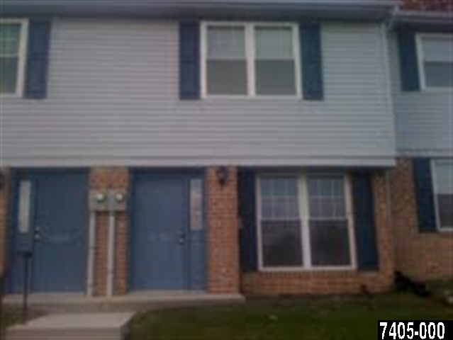 1753 Long Dr, York, PA 17406