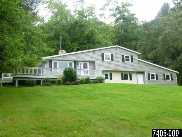 4156 Greenmount Church Rd, Glen Rock, PA 17327