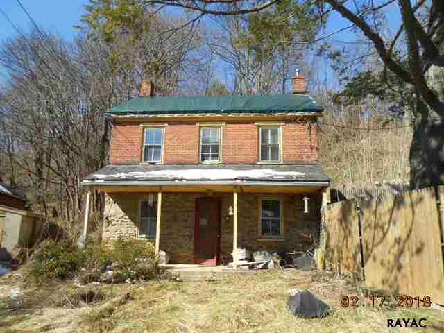 106 Church St, Glen Rock, PA 17327