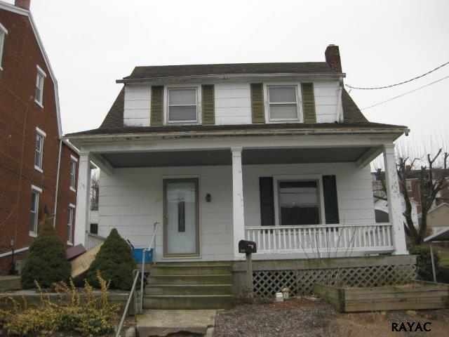 323 Atlantic Ave, Red Lion, PA 17356