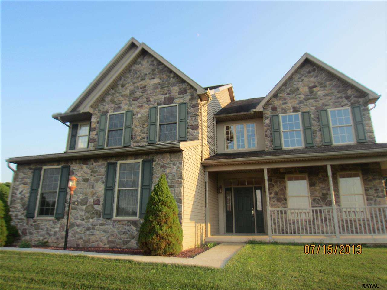 195 Rose Hill Dr, New Cumberland, PA 17070