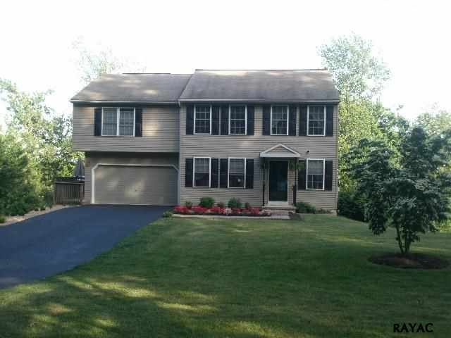 132 Walnut Valley Ct, Wrightsville, PA 17368