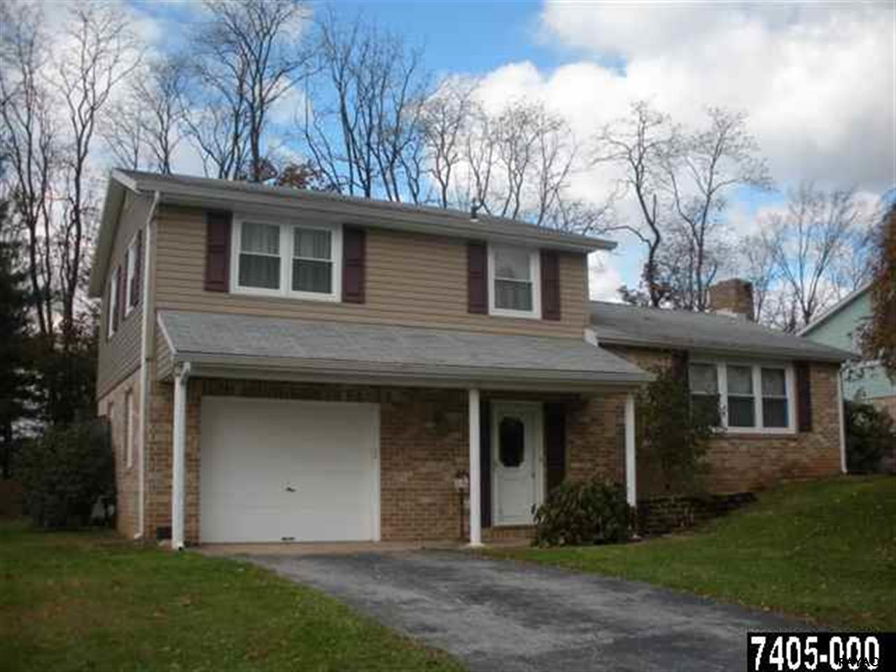 3029 Honey Run Dr, York, PA 17408