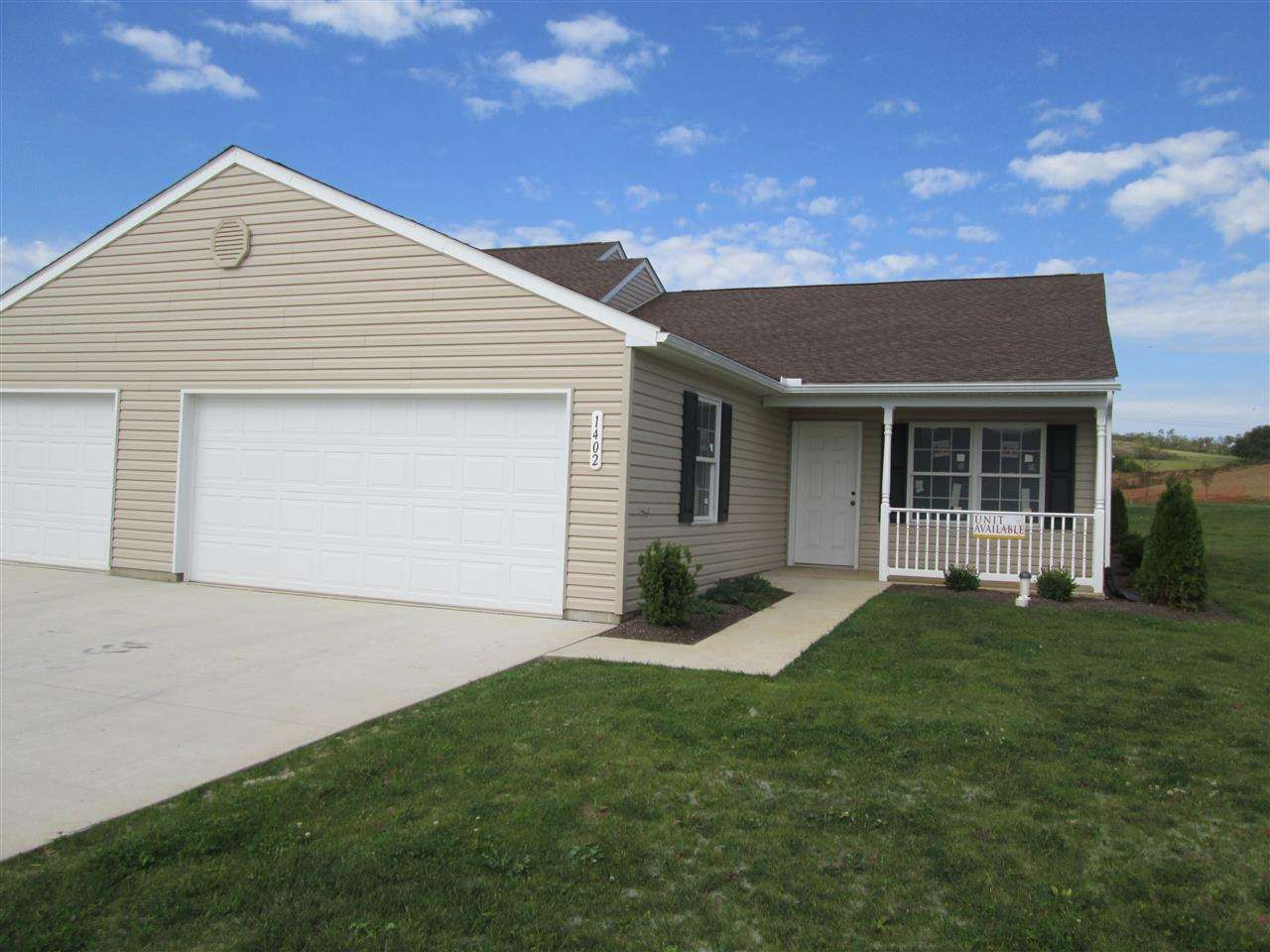 1402 Chami Dr, Spring Grove, PA 17362