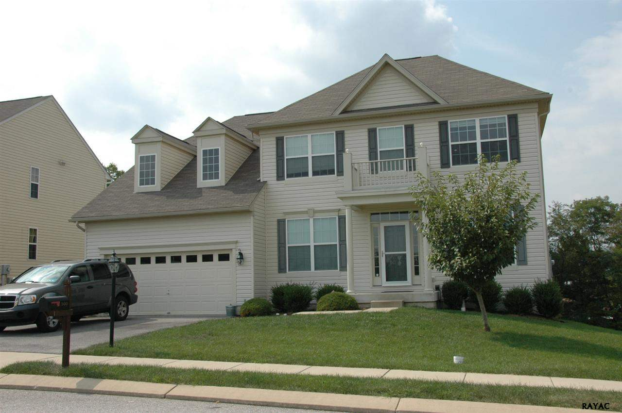 100 Hickory Ridge Cir, York, PA 17404