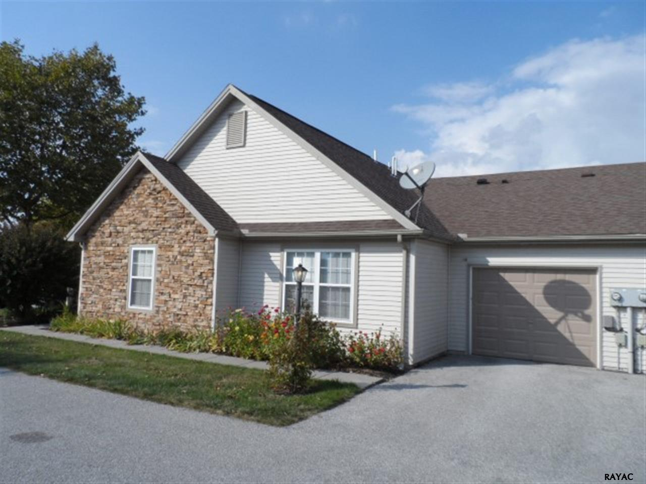 53 Apple Jack Ln, Littlestown, PA 17340