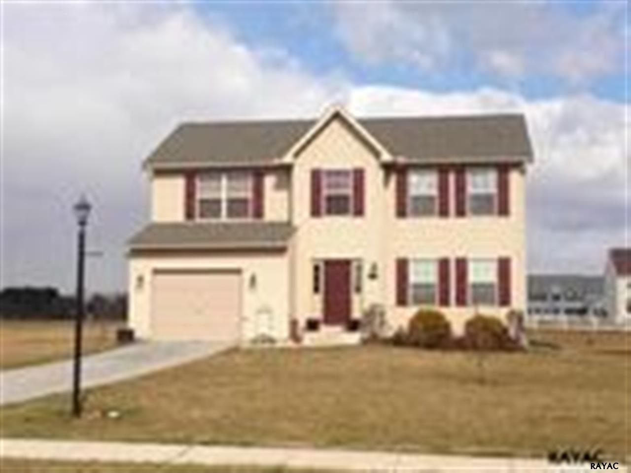 55 Meadowview Ln, New Oxford, PA 17350