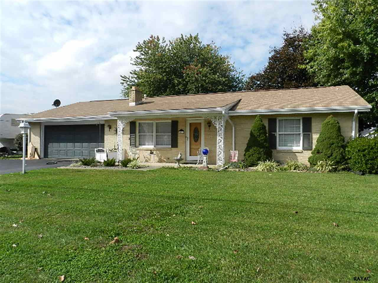 2411 Loucks Rd, York, PA 17408
