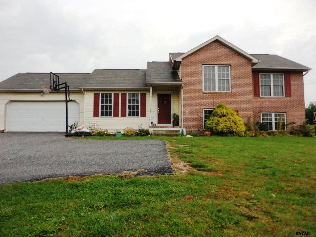 24 Burns Rd, Spring Grove, PA 17362