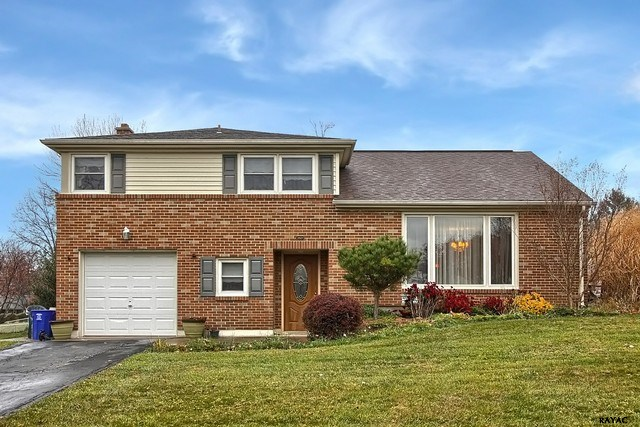 2501 Raleigh Dr, York, PA 17402