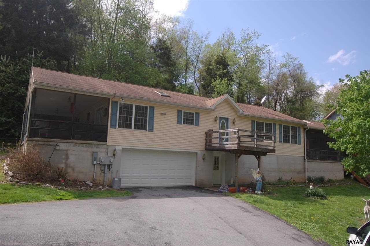 13378 Mt Olivet Rd, Stewartstown, PA 17363
