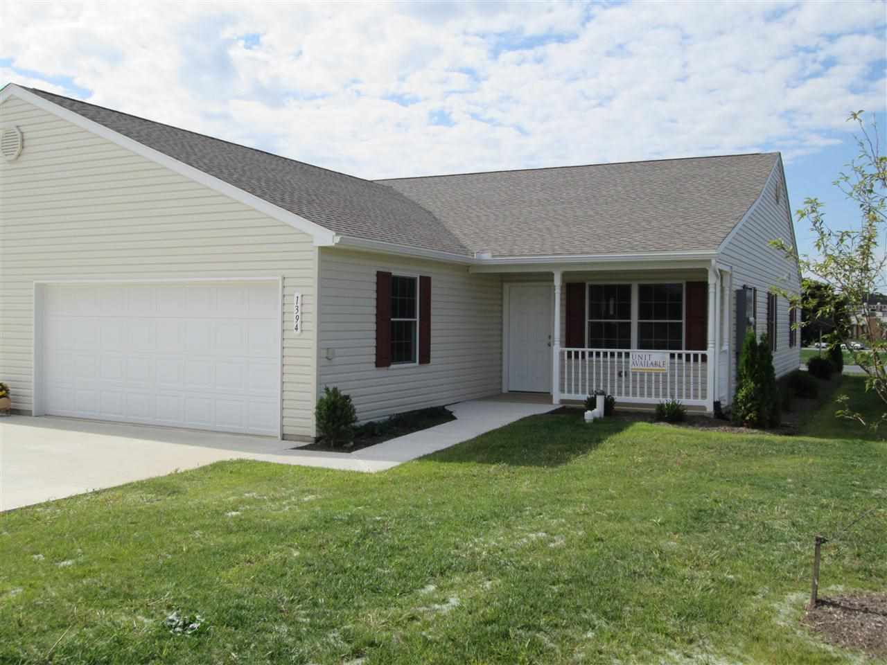 1394 Pleasant View Dr, Spring Grove, PA 17362