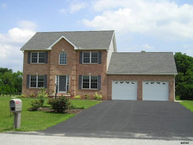 72 Country Dr, Gettysburg, PA 17325