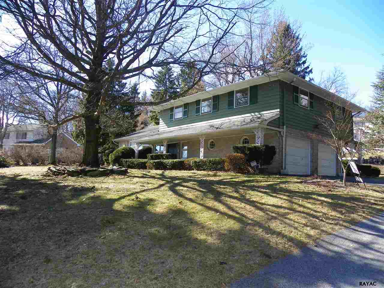 469 Summit Dr, Red Lion, PA 17356
