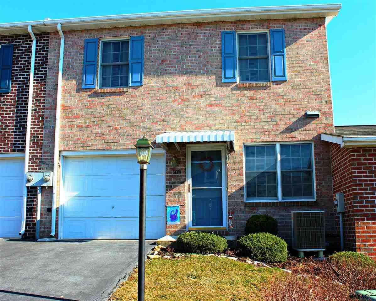 603 W 3rd St, Waynesboro, PA 17268