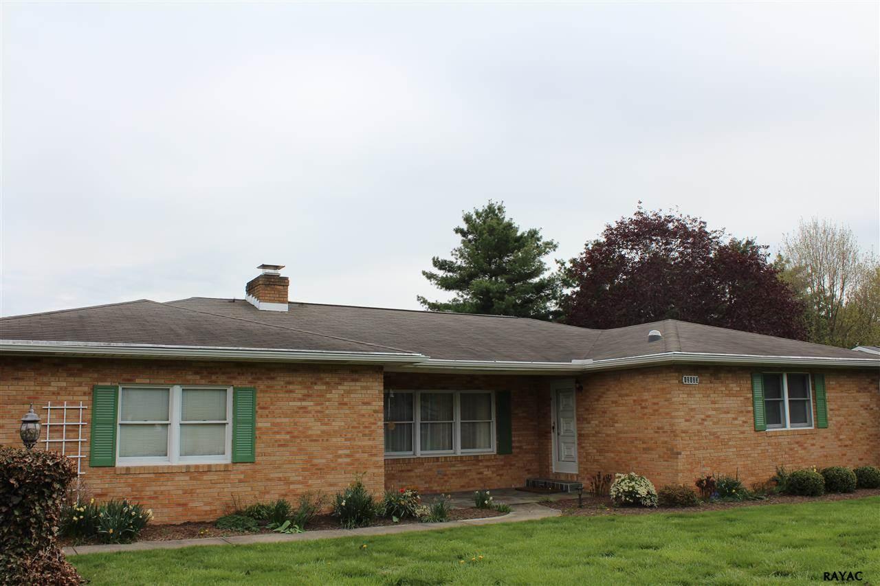 12123 Bayer Dr, Waynesboro, PA 17268