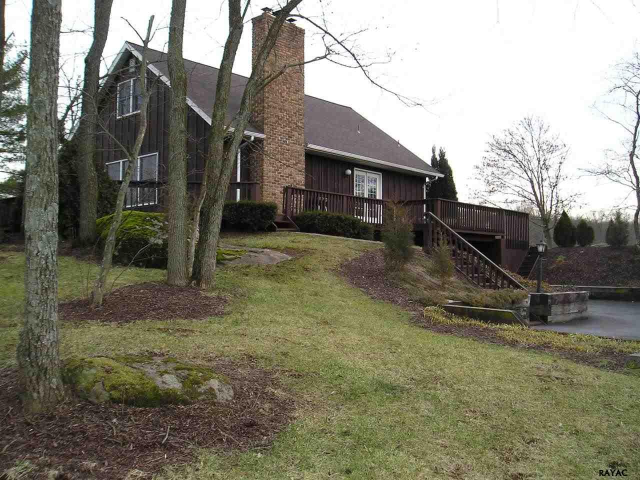 1095 Hanover Rd, Gettysburg, PA 17325
