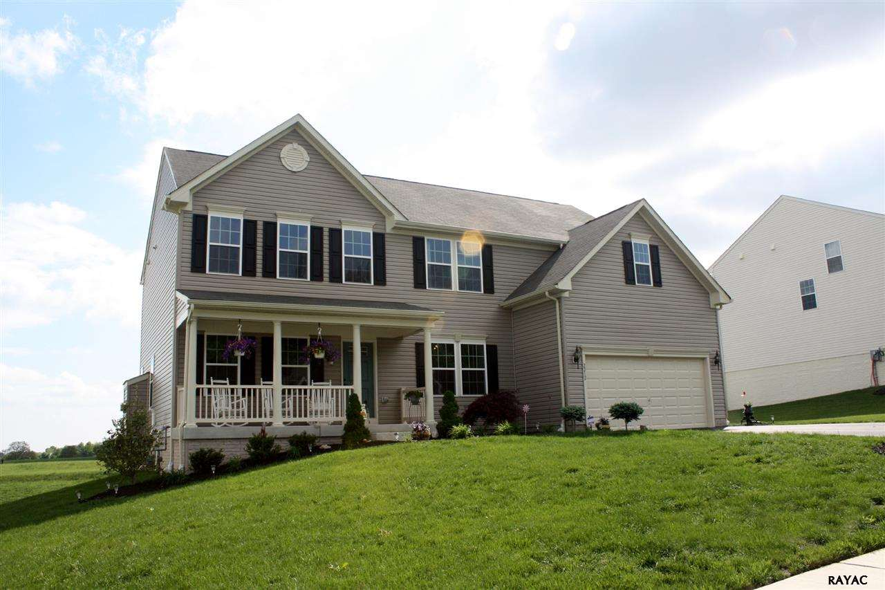 2212 Reservoir Heights Dr, Hanover, PA 17331