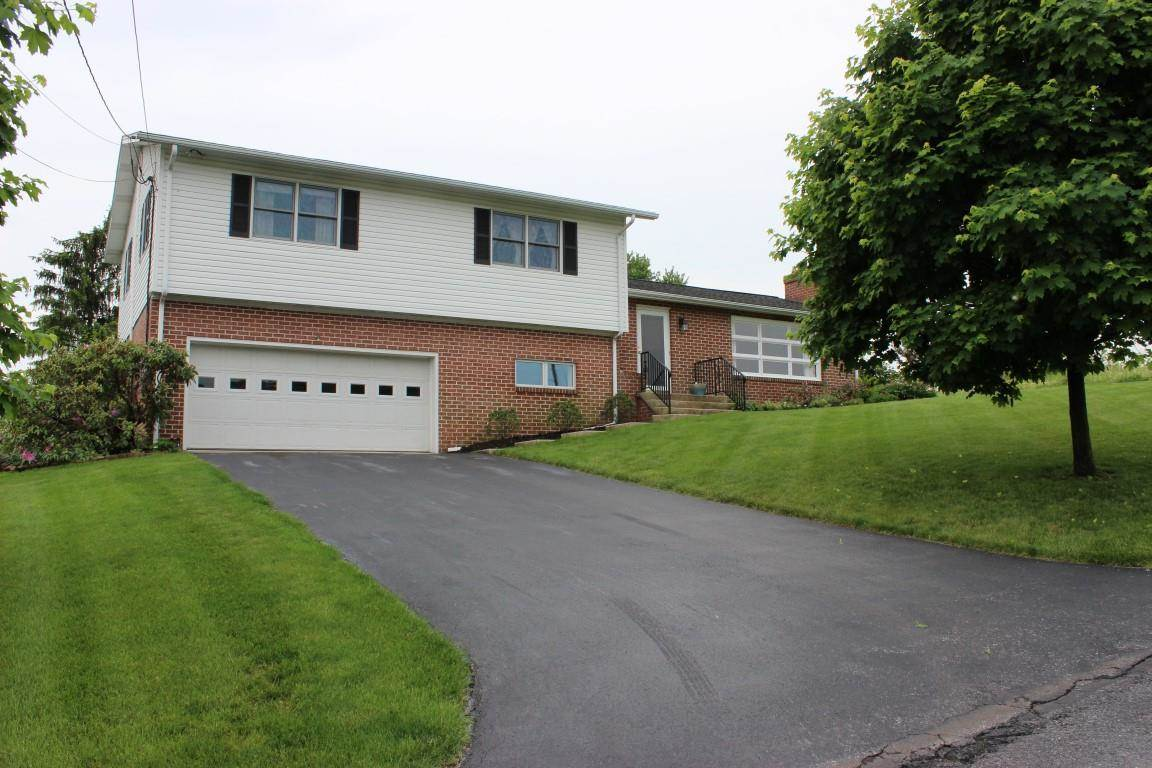 38 Maple Ave, Biglerville, PA 17307