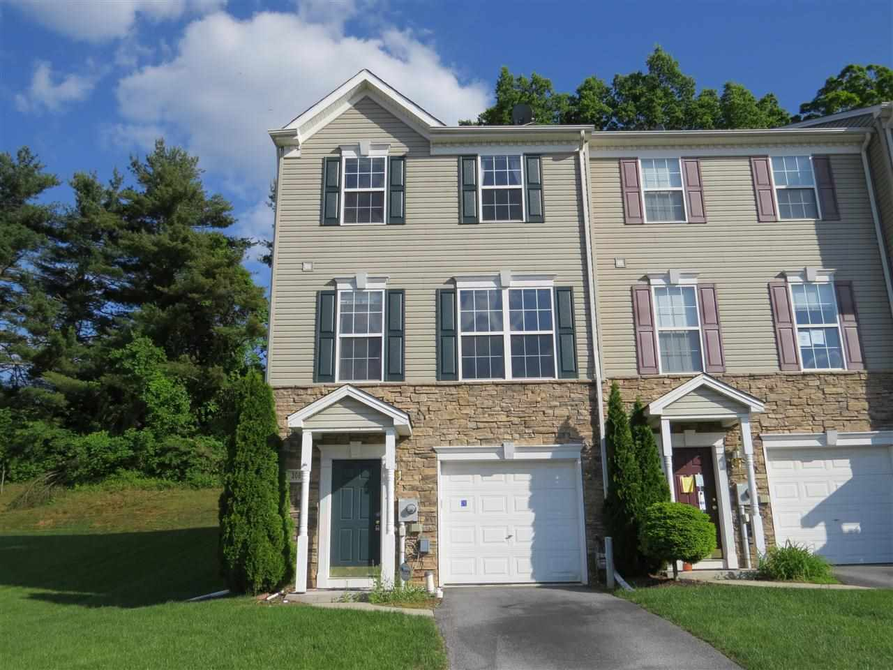 308 Bruaw Dr, York, PA 17406