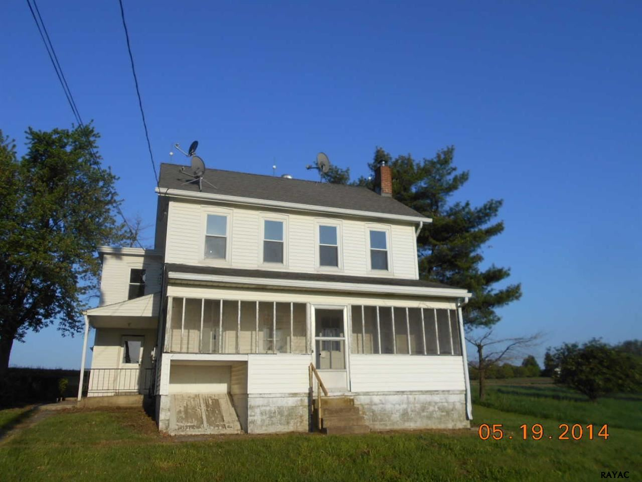 430 Hillview Dr, Mount Wolf, PA 17347