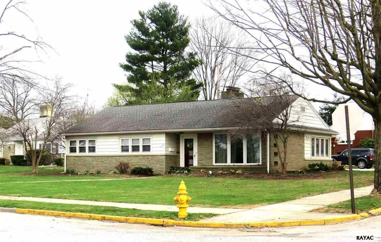 506 Glenwyn Dr, Littlestown, PA 17340