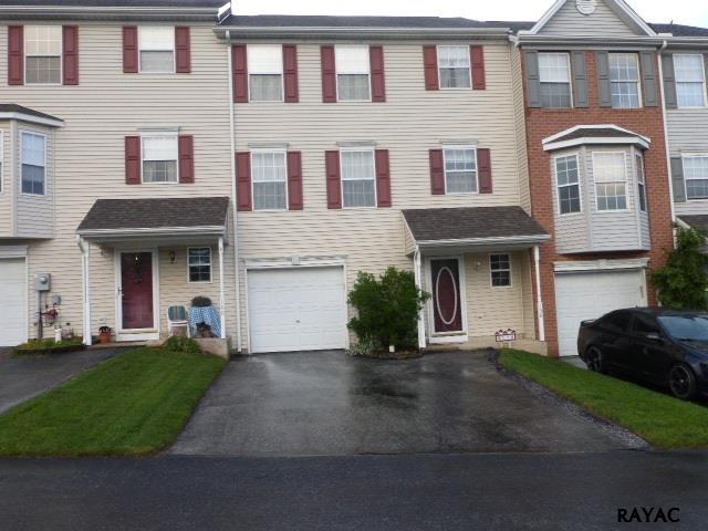 158 Country Ridge Dr, Red Lion, PA 17356