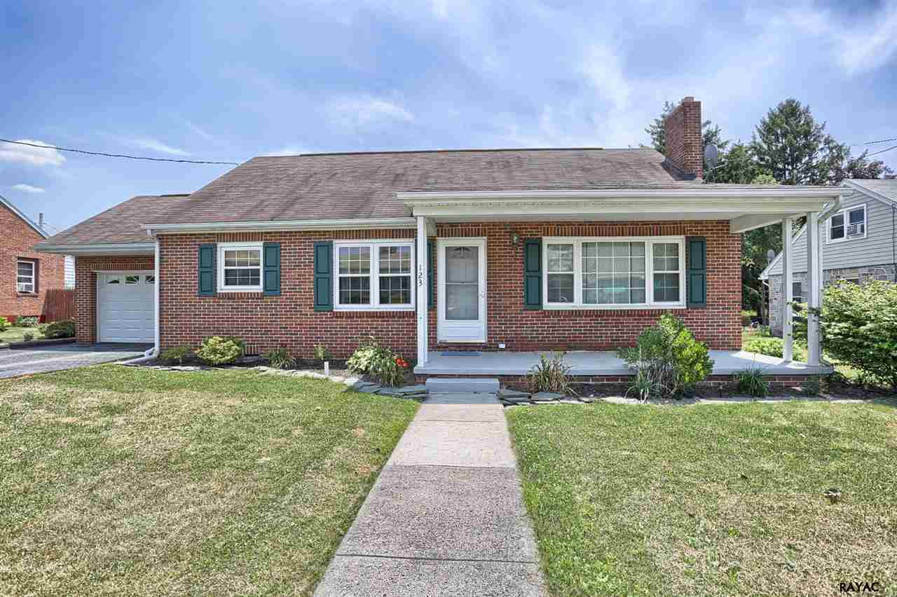 123 Fairview Ave, Dover, PA 17315