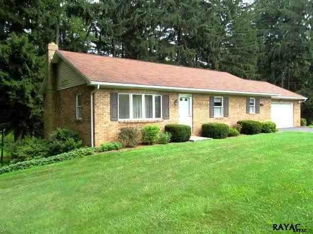 6703 York Rd, Spring Grove, PA 17362
