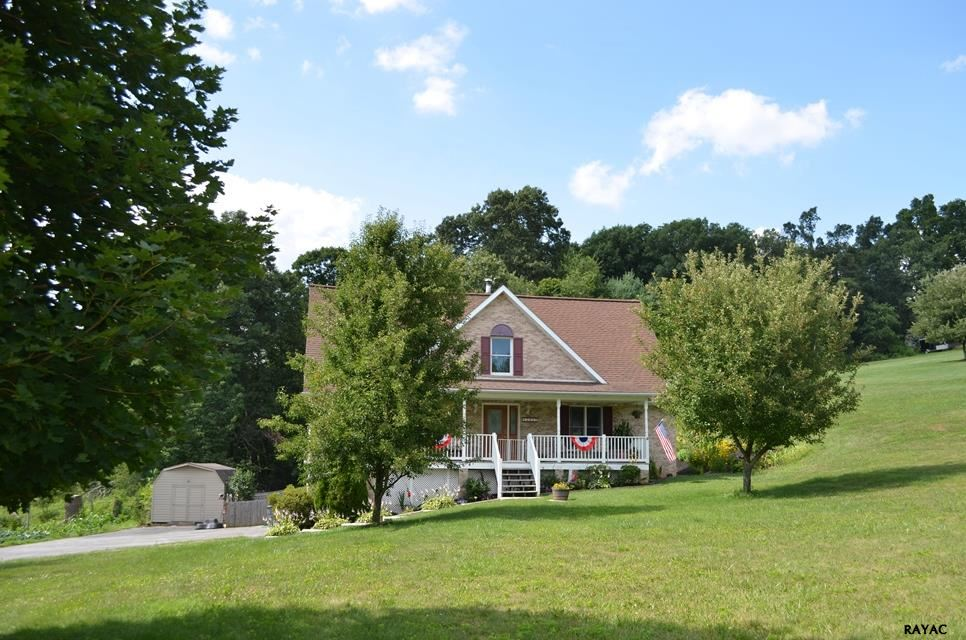 3915 Bowers Rd, Stewartstown, PA 17363