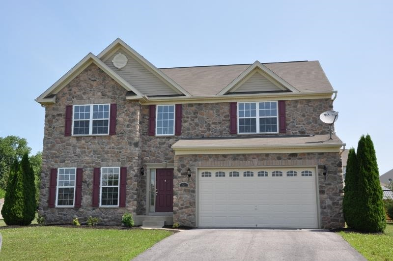 51 Farm House Ln, York, PA 17408