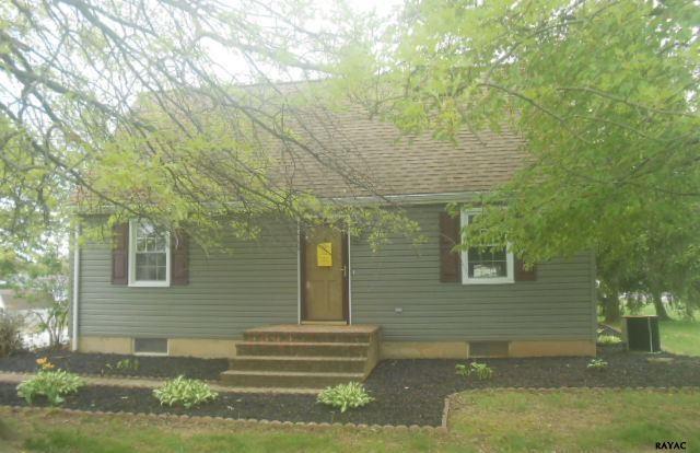 343 N 3rd St, McSherrystown, PA 17344