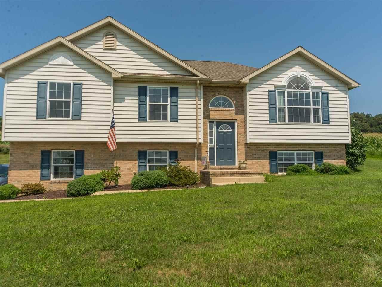 890 Rockville Rd, Spring Grove, PA 17362