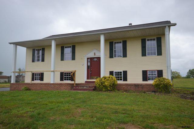 252 Mud College Rd, Littlestown, PA 17340