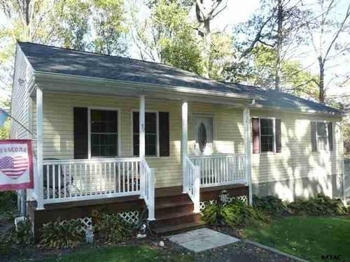 49 Highview Dr, Airville, PA 17302