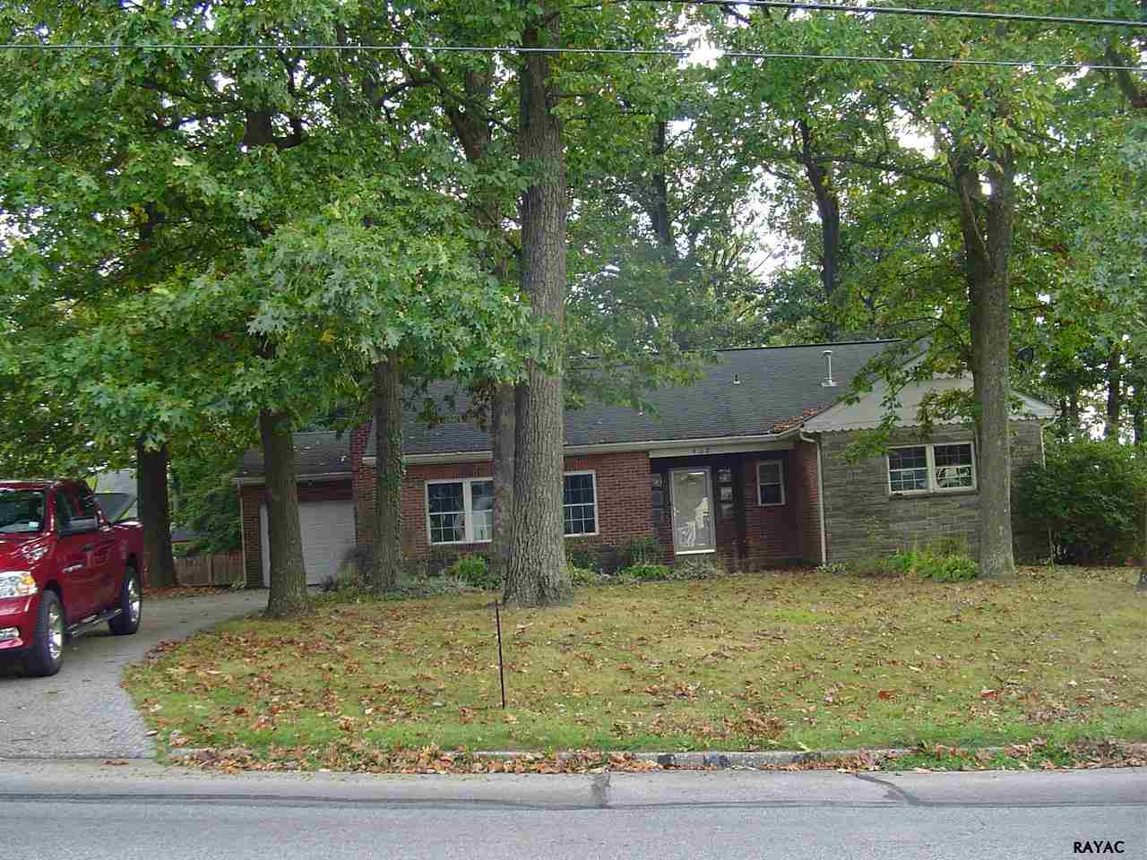 408 N Main St, Red Lion, PA 17356