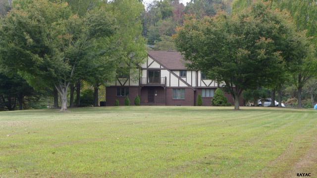 6651 Dark Hollow Rd, Wrightsville, PA 17368