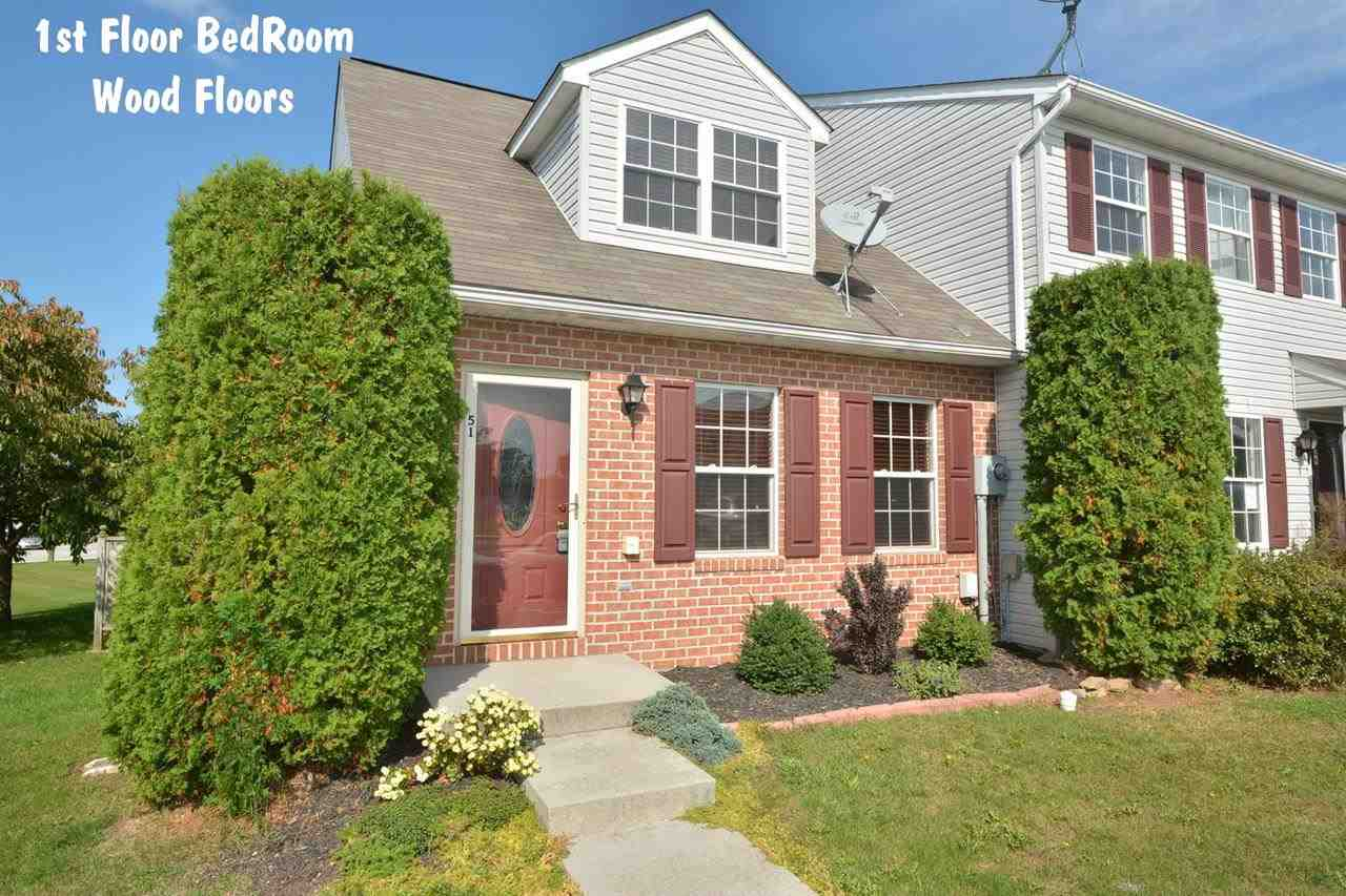 51 Fiddler Dr, New Oxford, PA 17350