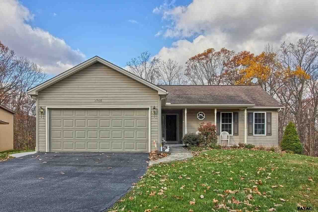 1755 Valley Green Rd, Etters, PA 17319
