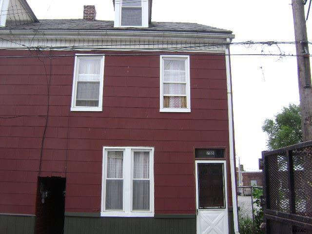 718 W Clarke Ave, York, PA 17404