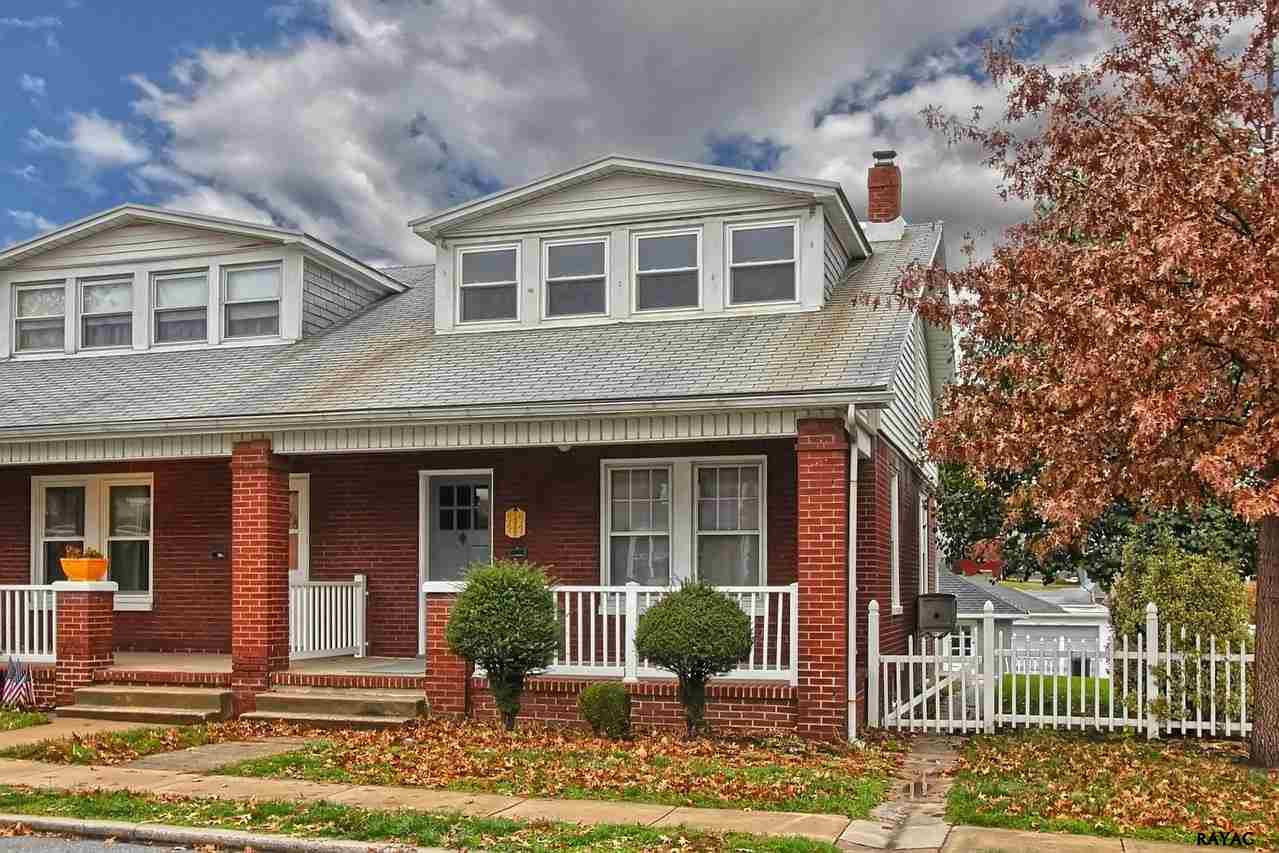 1245 E Maple St, York, PA 17403