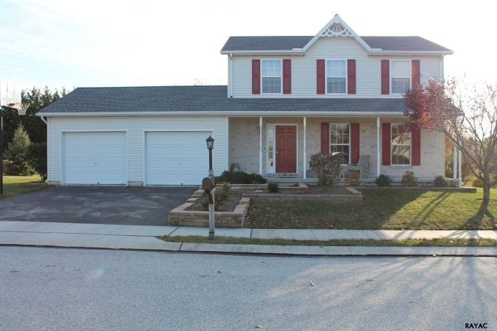 7 Fieldcrest Dr, Littlestown, PA 17340