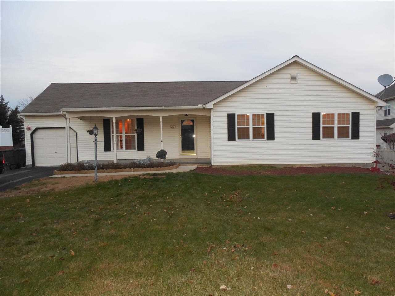 23 Parkview Dr, Seven Valleys, PA 17360