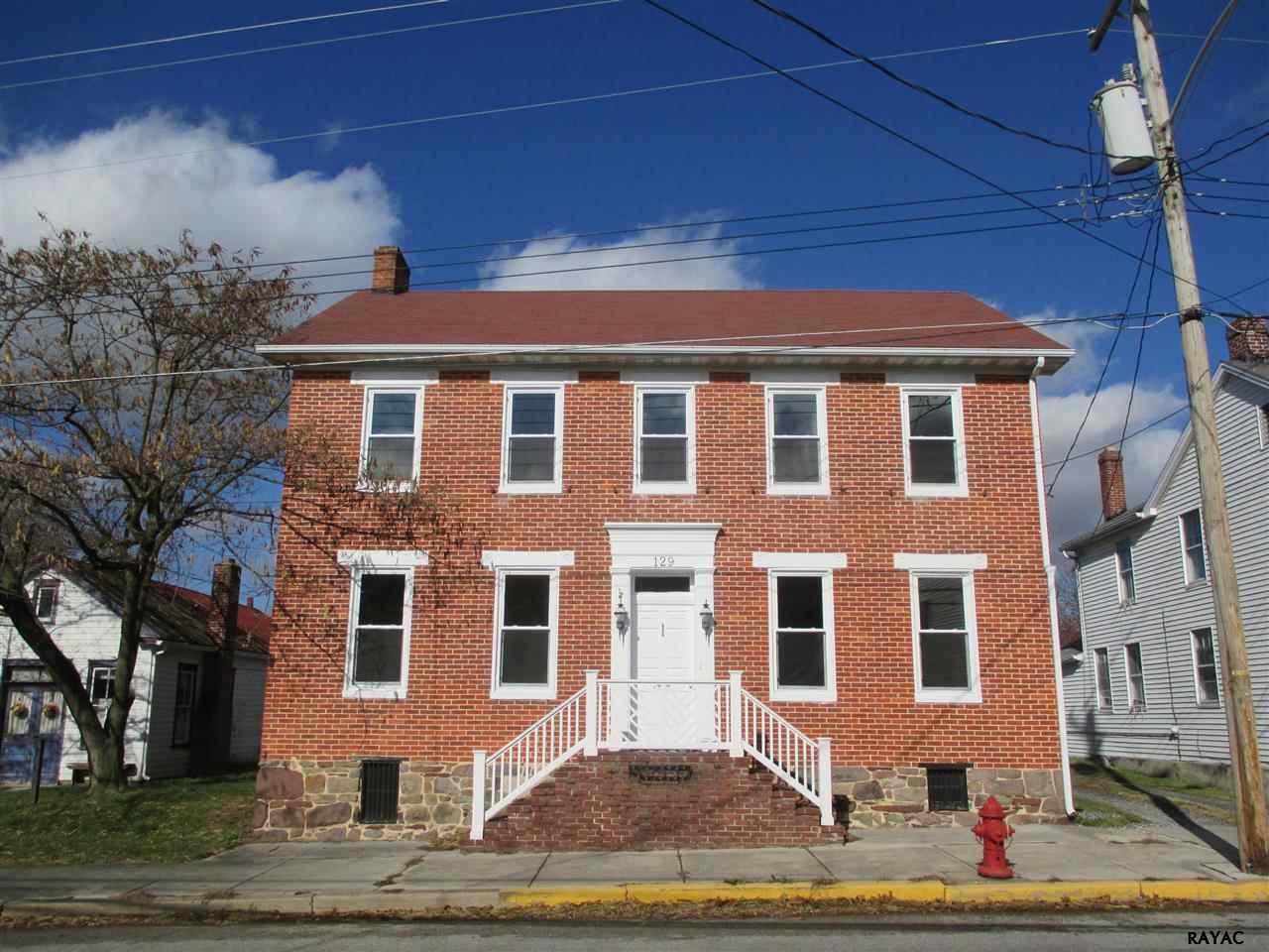 129 W King St, Littlestown, PA 17340