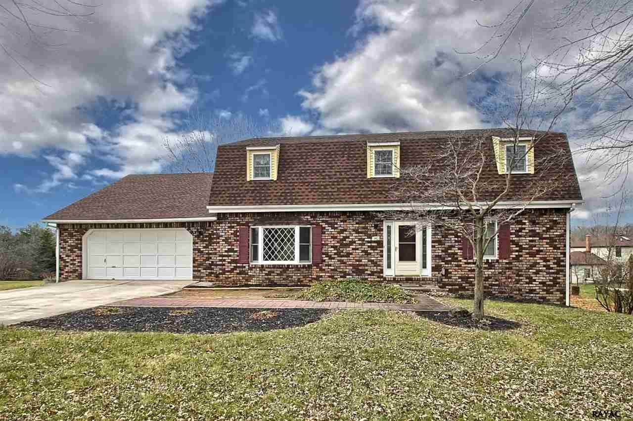 340 Montclair Rd, Gettysburg, PA 17325