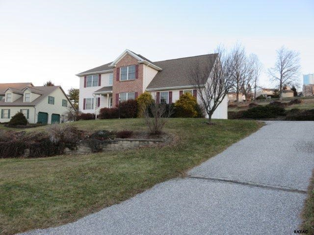 626 Carrie Dr, Dallastown, PA 17313