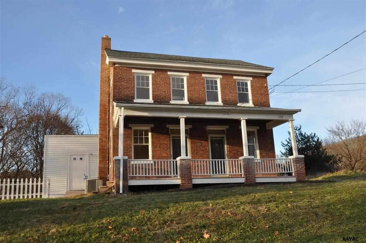 120 Main St, Felton, PA 17322