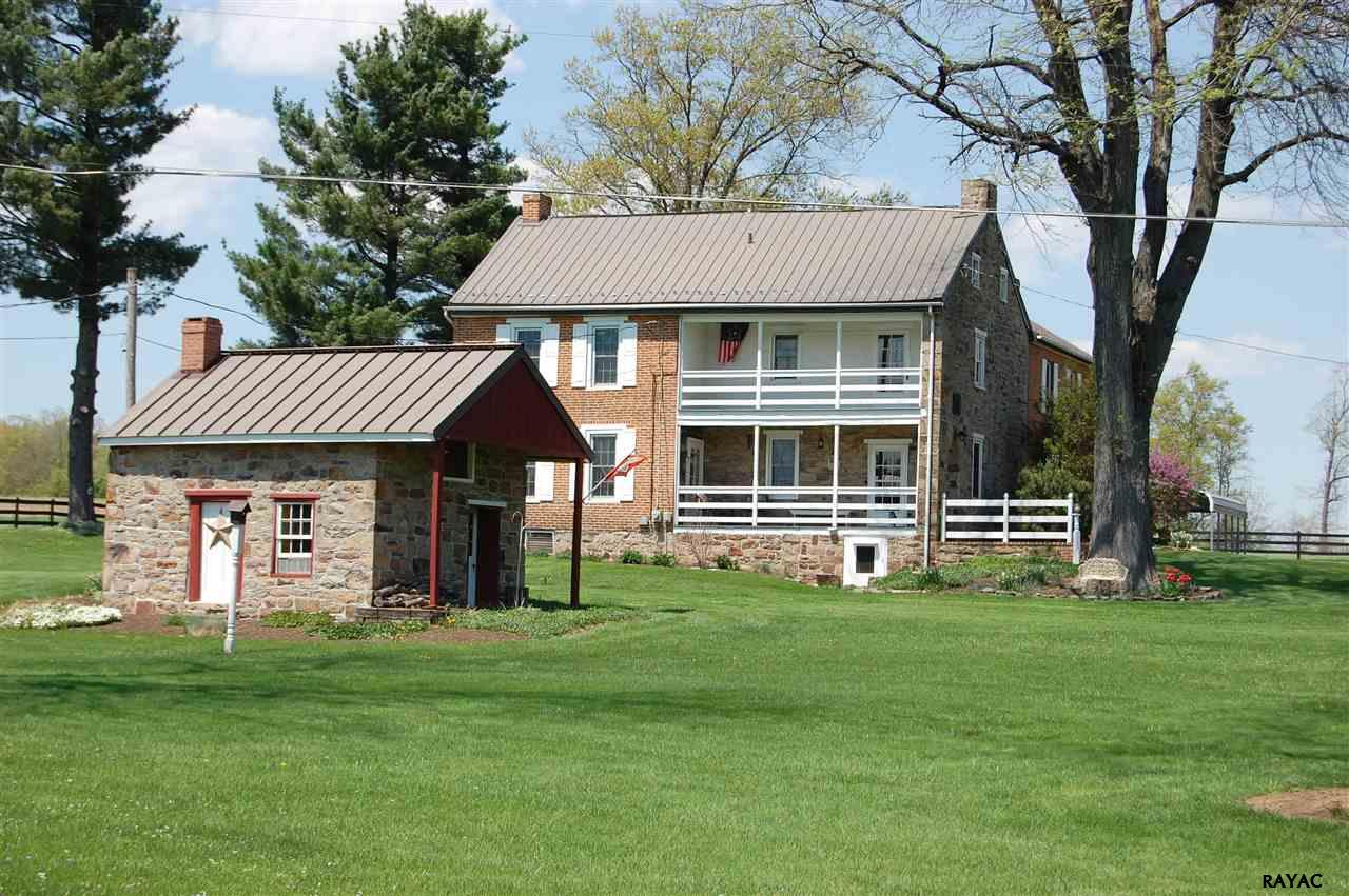 208 Kohler School Rd, New Oxford, PA 17350