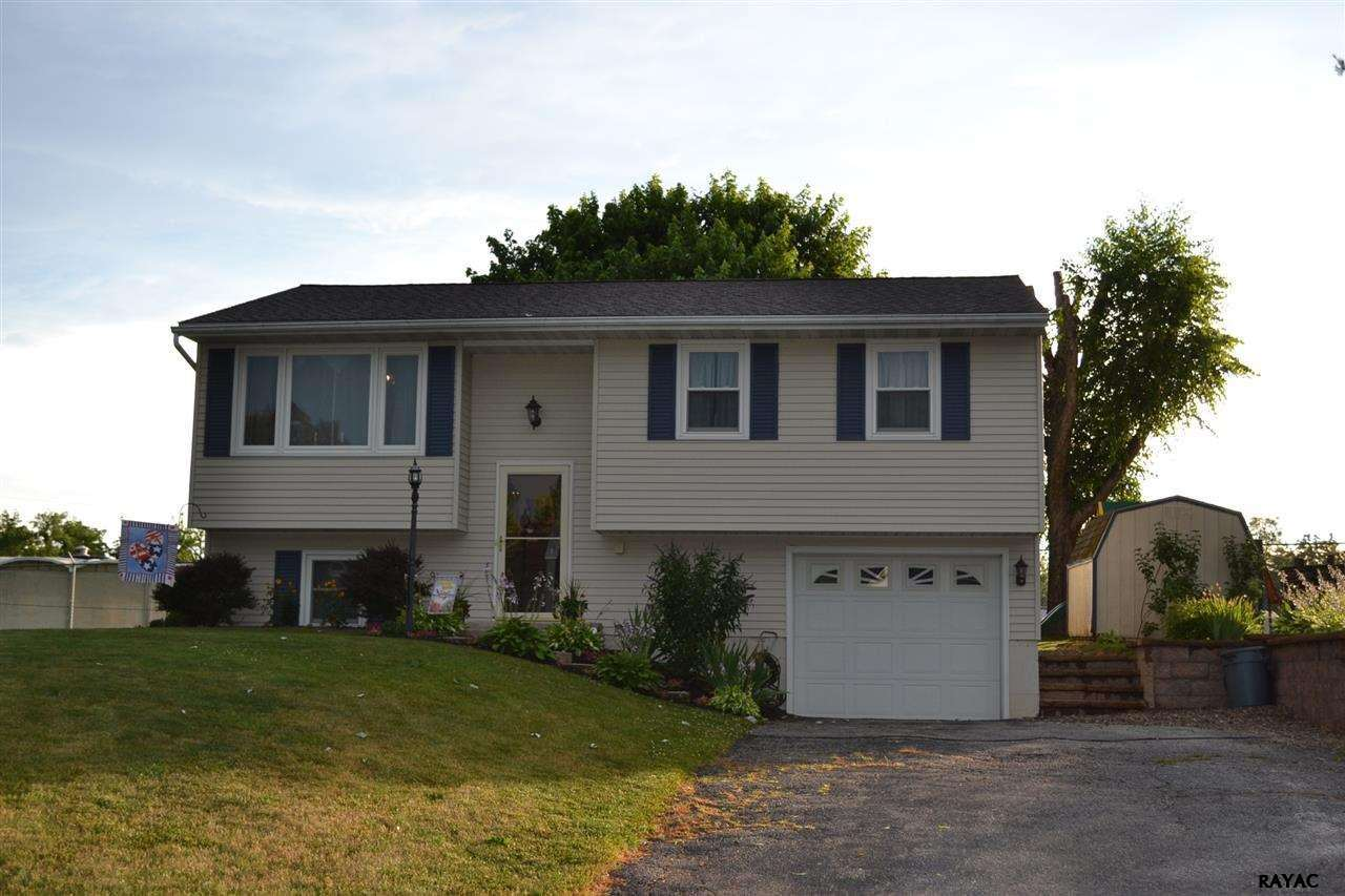 7 Paradise Ct, New Oxford, PA 17350