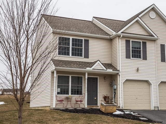 13 Riverview Dr, Wrightsville, PA 17368